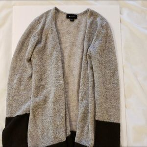 AB Studio Light Weight Cardigan Large